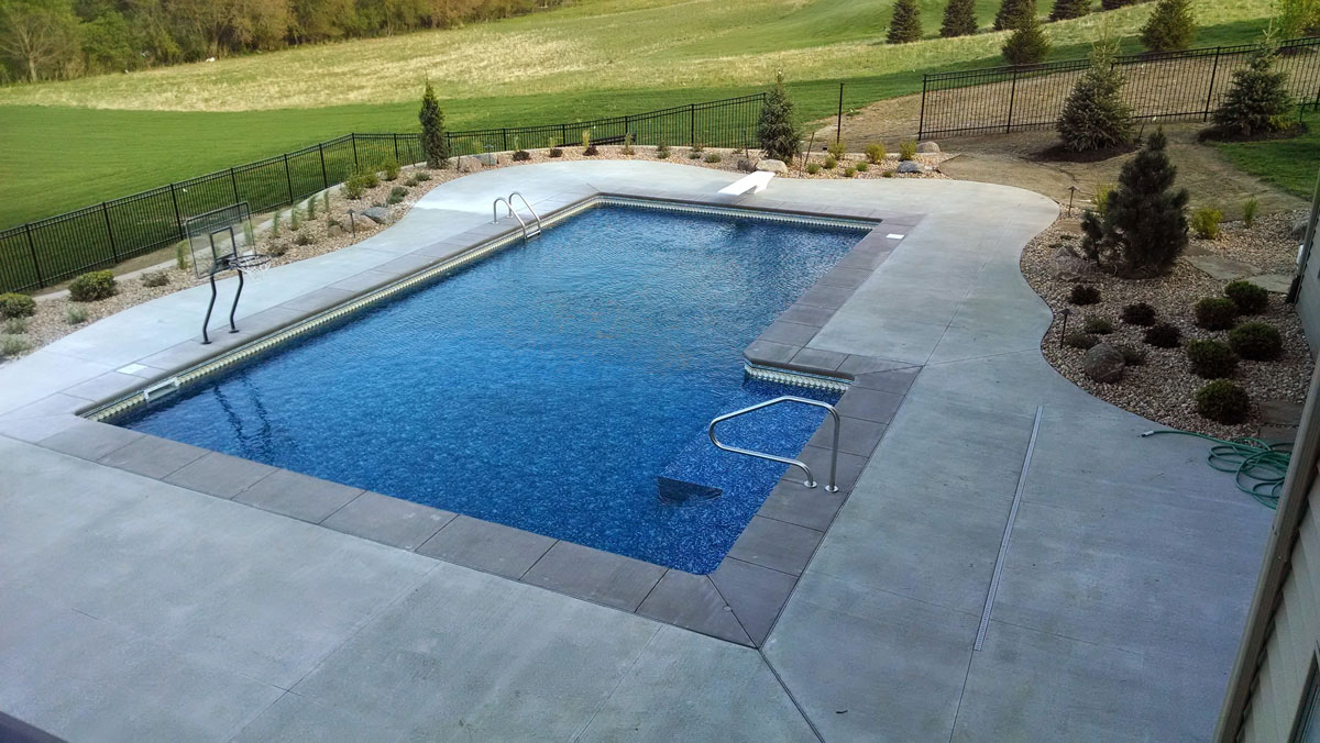 Pool design innovative outdoors omaha for Innovative pool design king s mountain